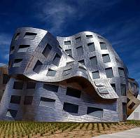 When it opened in 2009, the Cleveland Clinic Lou Ruvo Center for Brain Health had about three dozen employees. As it celebrates its 10-year anniversary this month ...