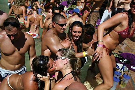 Kandy Vegas pool parties