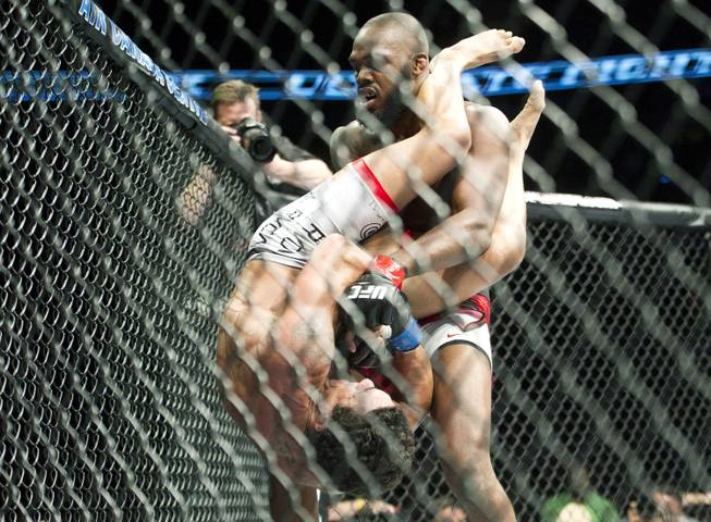 Ufc 152 fight card results betting odds tickets redskins vikings betting preview nfl