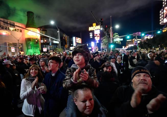 Tips For Taking In Las Vegas New Year S Eve Festivities Las Vegas Sun Newspaper