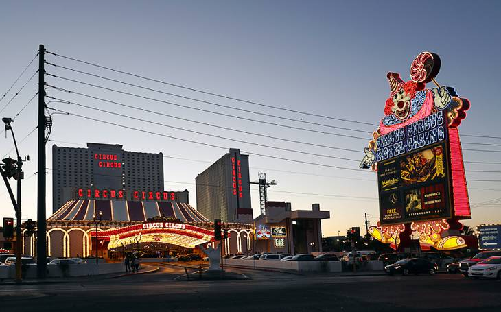 New Circus Circus Owner Plans Sandy Pool Complex Theater For
