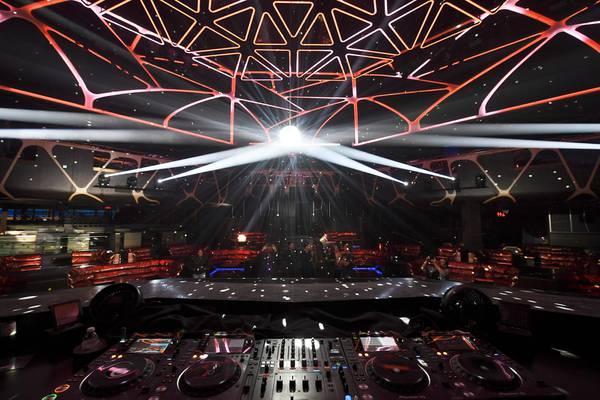 MGM Follows Wynn, Shuts Down Nightclubs, Dayclubs