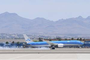 KLM Royal Dutch Airlines Flight 635 touches down at McCarran ...