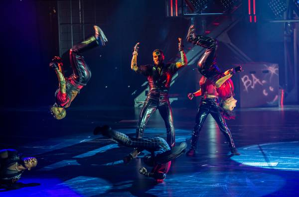 Aggressive innovation marks Cirque du Soleil's action-packed 'R.U.N'