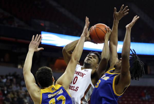 UNLV looking to finish strong against No. 4 San Diego State