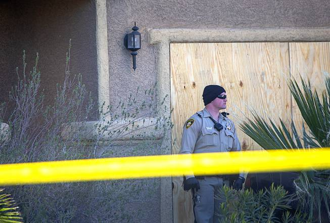 Las Vegas police: 3 dead in apparent murder-suicide at home