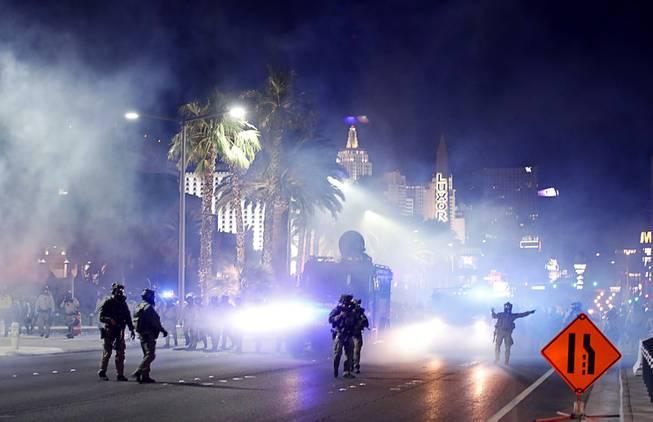 Police Use Tear Gas To Control Protest On Las Vegas Strip Las Vegas Sun Newspaper