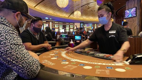Las Vegas casino, hospitality workers can get vaccinations - Las Vegas Sun