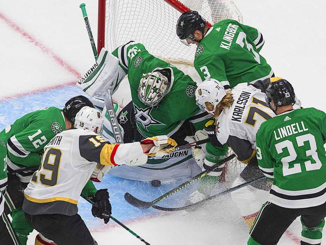 Golden Knights and Stars Battle in Game 3