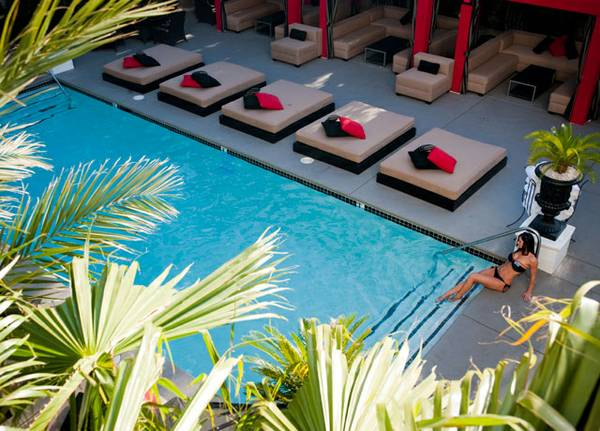 Naked Pool at the Artisan: A Las Vegas, NV Bar.