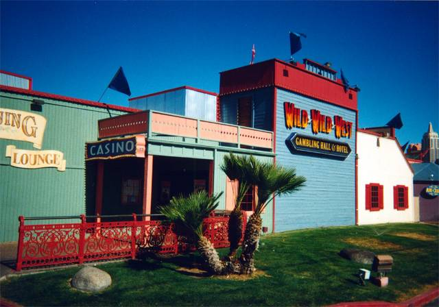 Days Inn & Wild Wild West Gambling Hall
