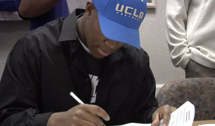 Graham Signs with UCLA