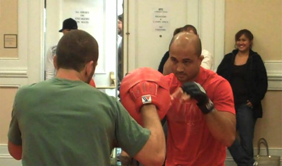 UFC 107: Workouts