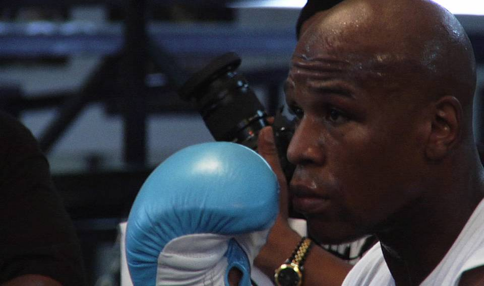 Mayweather Prepares for Mosley