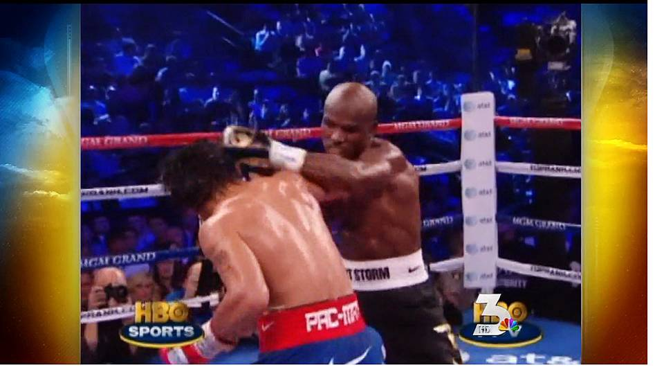 Pacquiao loses controversial decision