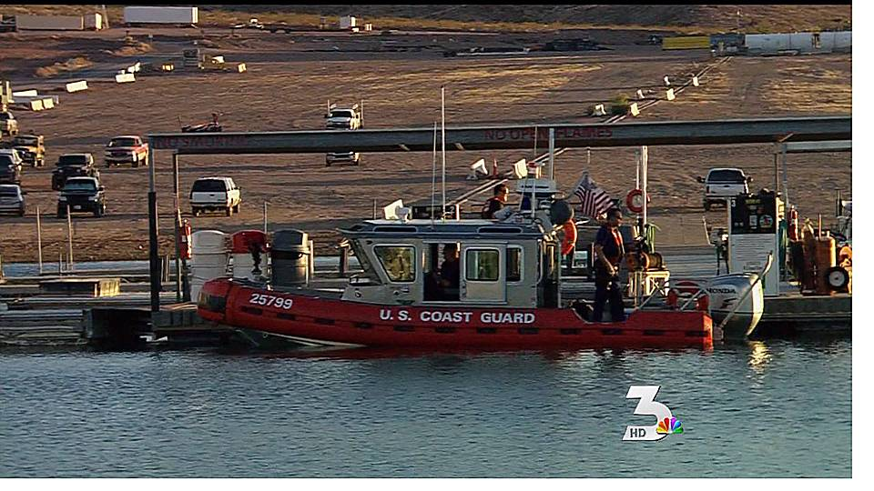 Rescue crews search for missing boater at Lake Mead