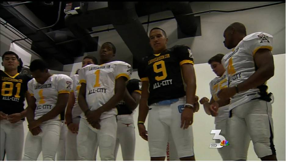 Las Vegas Sun \'All-City\' football team gathers for photos