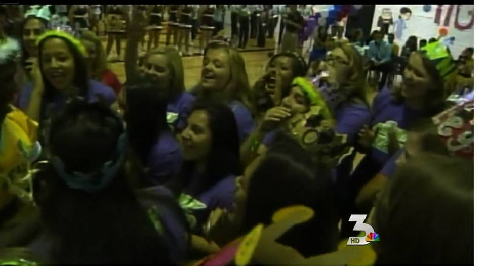 Vegas high schoolers prepare for homecoming